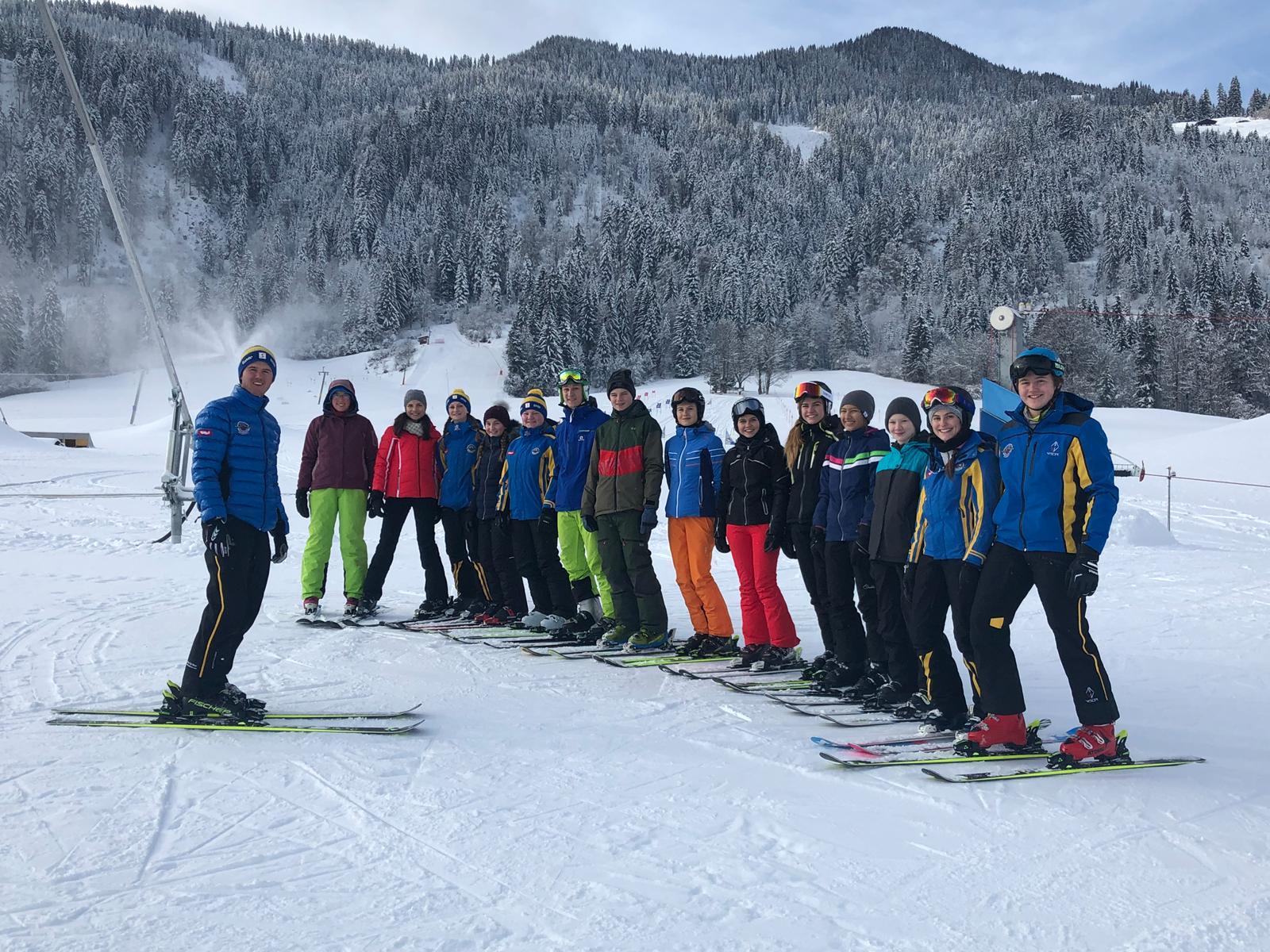 Qualität der Skilehrer ist ein wichtiger Pfeiler der Philosphie der Skischule Reith bei Kitzbühel - daher werden jährlich neue, junge Skilehrer hausintern ausgebildet