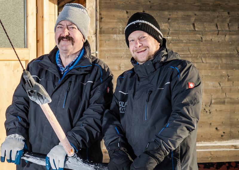 Wilfried Hörhager und Martin Kreutner entgeht beim Schlepplift auf der Reither Streif nichts