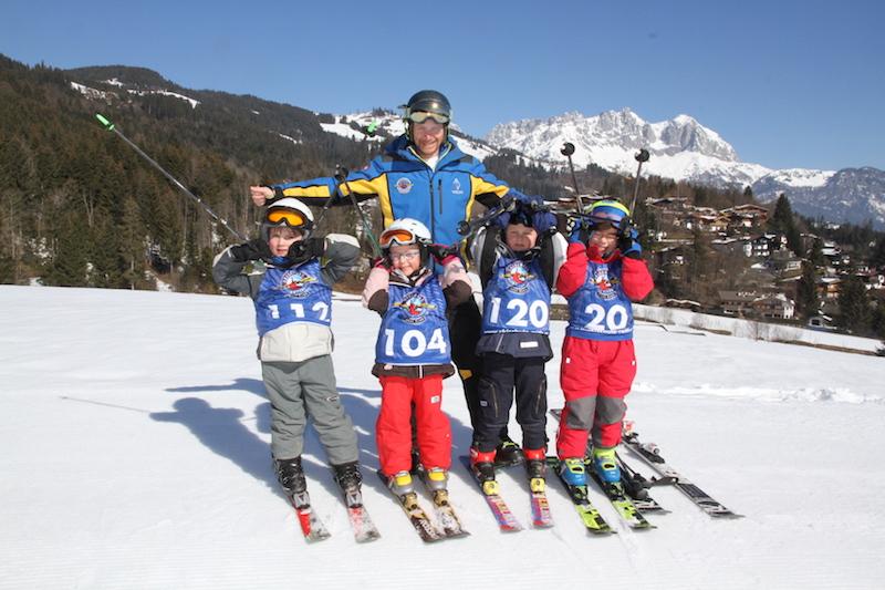 Jeden Donnerstag findet auf der Reither Streif zur großen Freude der Skikinder das Kiddy´s Race - mit Musik, Moderation und toller Preisverteilung - statt.